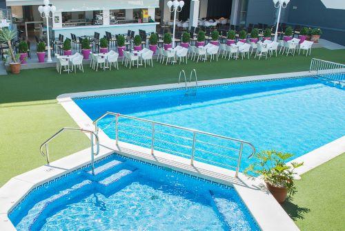 HOTEL MELINA-PISCINA