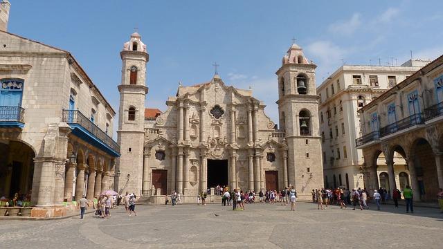 PINCELADA DE CUBA CON ENCANTO+JIBACOA