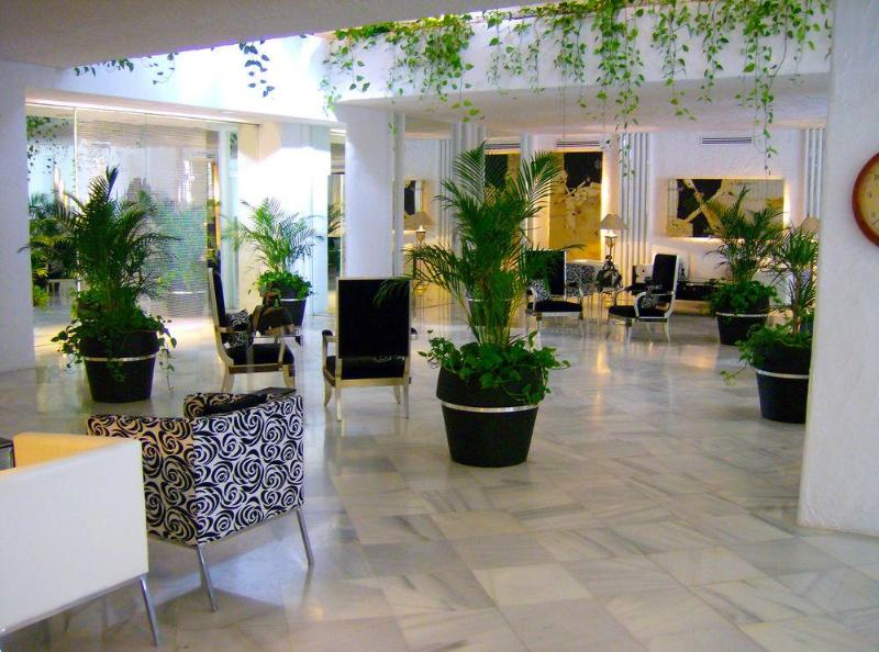 NOCHEVIEJA EN HOTEL SUITES ALBAYZIN DEL MAR 4****