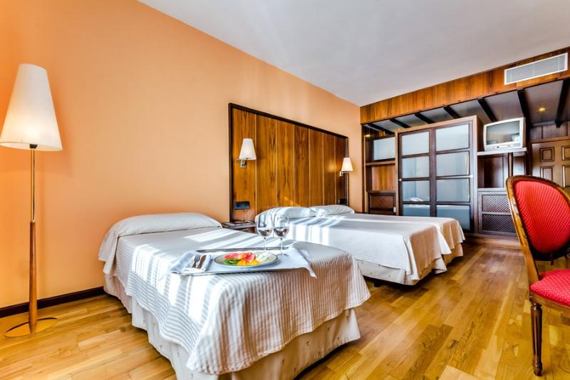 HOTEL DOÑA BRIGIDA 4**** GALA NOCHEVIEJA