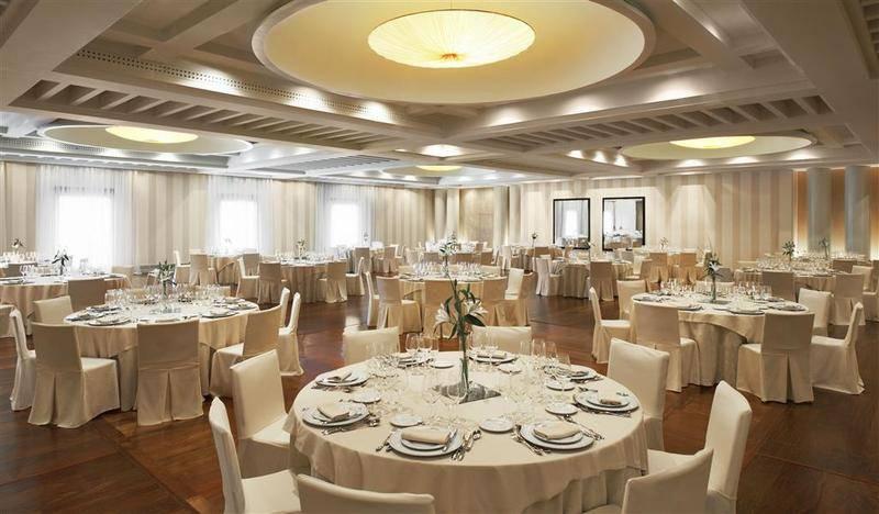 Elegante salon de hotel Marques de Riscal