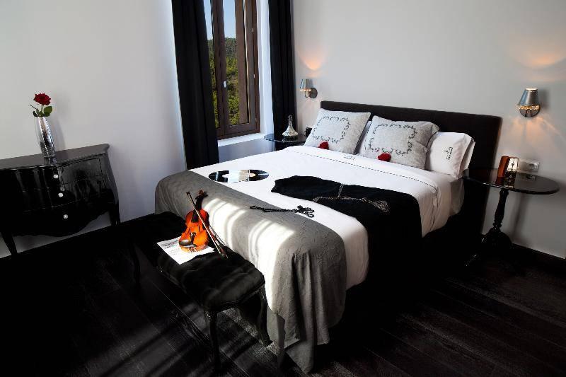 COMODAS ESTANCIAS EN HOTEL SANT PERE DEL BOSC