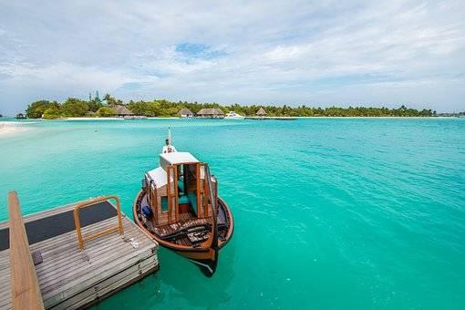 MOVERSE POR MALDIVAS