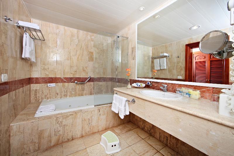 NOCHEVIEJA EN PUNTA CANA HOTEL BAHIA PRINCIPE 5*****